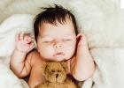 Fyzioterapeutka radí: Hniezdo pre dieťa na spanie - áno alebo nie?