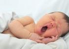 Ako dlho by dieťa malo byť bdelé predtým, ako ho večer uložíte do postieľky?