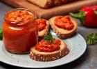 Nátierka z červenej papriky s tvarohom