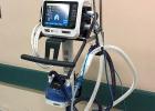Nadácia Allianz darovala nemocnici prvý prístroj na boj s koronavírusom