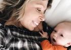 Hluché dievčatko prvýkrát počulo mamin hlas. Jeho reakcia vás chytí za srdce