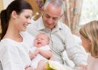 Prvá návšteva bábätka: etiketa a tipy, ktoré sa oplatí vedieť!