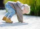 Ako reagovať, keď dieťa spadne?