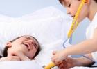 deti sa hraju  na doktora