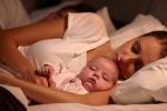 Spoločné spanie s dieťaťom – áno alebo nie?