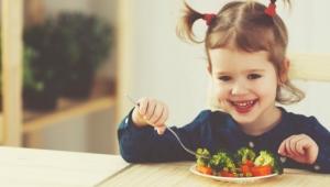 Plusy a mínusy v stravovaní detí