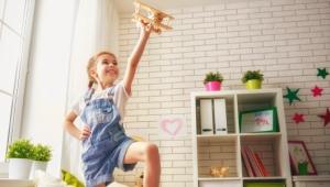 Detská izba presýtená podnetmi: menej je niekedy viac. 3 tipy pre rodičov!