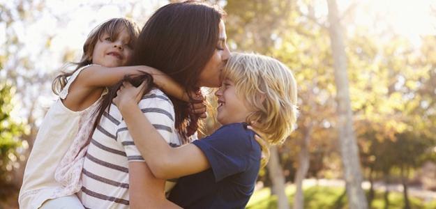 Tri deti = jedna výchova?