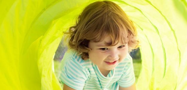 Vývoj dieťaťa medzi 2. a 3. rokom: Bežím a skáčem!