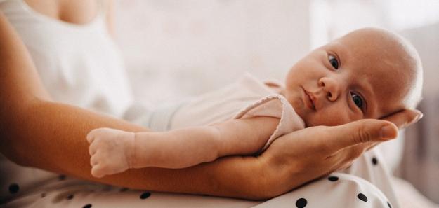 Pediatrička radí: Dojčené dieťa sa nemá zbytočne dokrmovať
