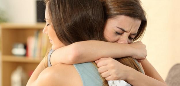 Vaše príbehy: DILEMA: Mám o nevere povedať kamarátke?