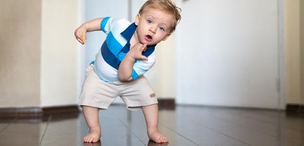 Rady fyzioterapeutky: Toto ÁNO a toto NIE. Čím môžeme uškodiť bábätku