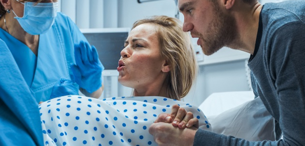 Pôrod podľa duly: Takto zmiernite bolesti