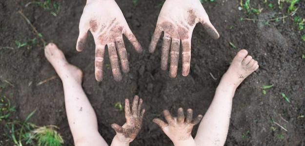 Tvorivé BATOĽA: Čmárajte prstom do múky