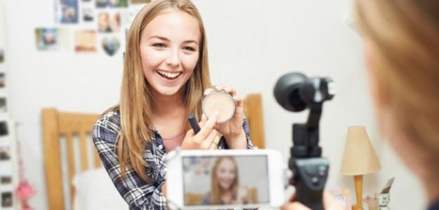 Viete, čo robia vaše deti? YOUTUBERI, vloggeri a RIZIKÁ virtuálnej reality
