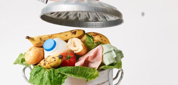 zvyšky jedál, recyklovať, v koši, neplytvajte jedlom