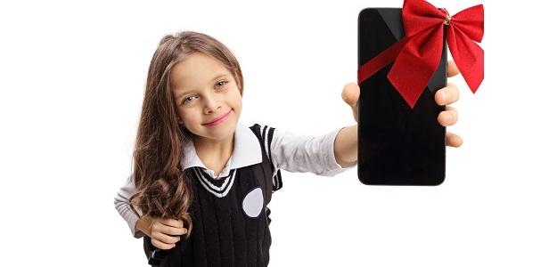 Smartphone pod stromčekom