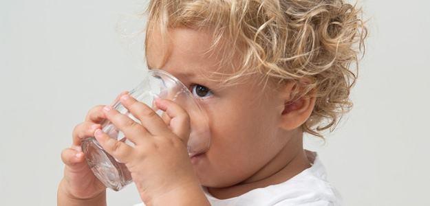 Koľko majú deti piť