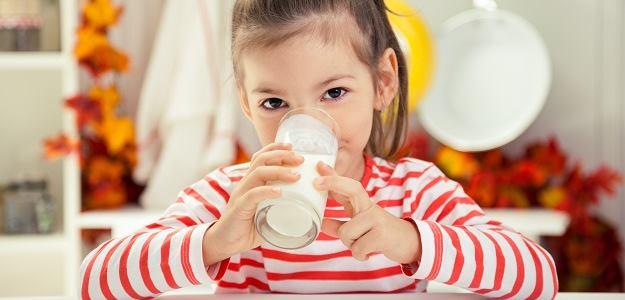 musia deti piť mlieko?