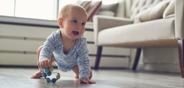 Štvornožkovanie je dôležité: Čo sa stane, ak dieťa tento vývojový stupeň preskočí?