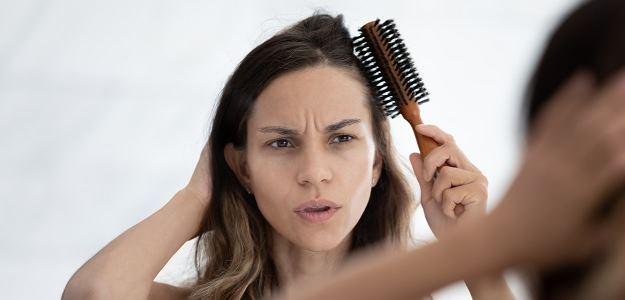 vypadavanie vlasov po porode