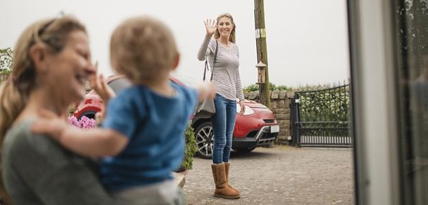 Opatrovateľka k deťom: Ako vybrať tú najlepšiu?