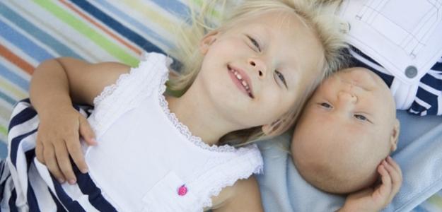 Sú takí rozdielni: Prečo zo súrodencov vyrastajú odlišní dospelí?