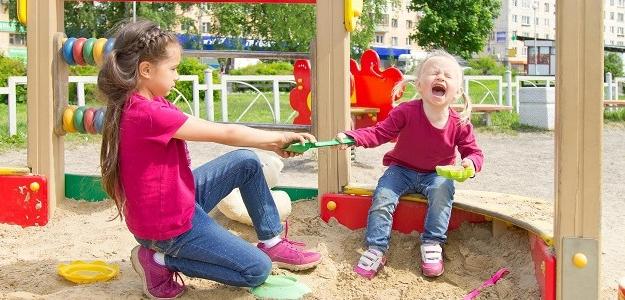 Pravidlá na detskom ihrisku: Čo by mali deti a rodičia rešpektovať?