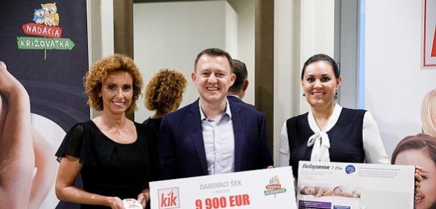 KiK daroval Nadácii Križovatka finančný dar