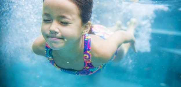 """""""Mami, oci, ja plávam!"""": Skúste náš rýchlokurz na ovládnutie vodného živla!"""