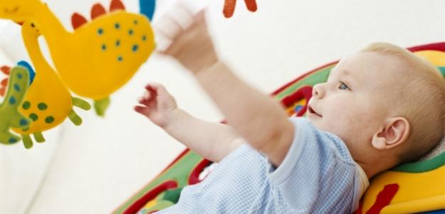 Hračky do detskej rúčky: aké akedy?
