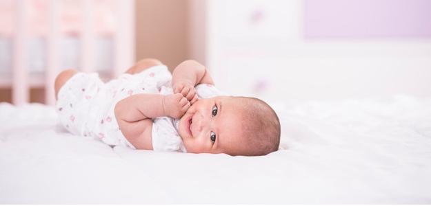 Vďaka úžasnej moci bábätiek kampaň Pampers® UNICEF pomáha eliminovať tetanus rodičiek a novorodeniatok v 20 krajinách