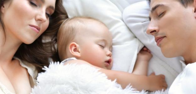 Psychológia pre milujúcich rodičov: ako uspávate svoje dieťa?