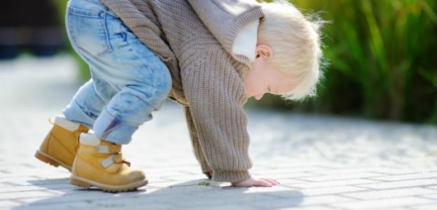 Ako reagovať, keď dieťa spadne