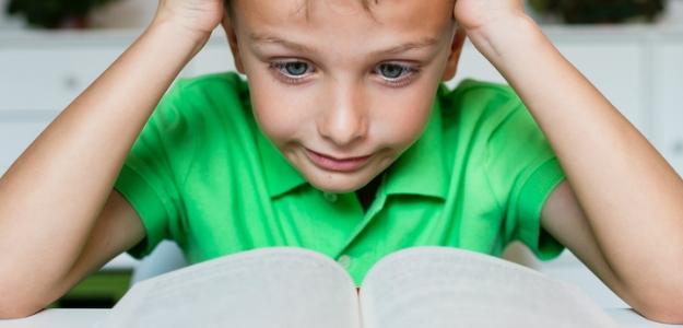 Slabý čitateľ. zle dieťa číta rady