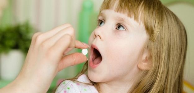 Ako naučiť dieťa užiť tabletku?