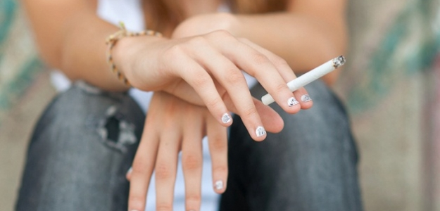 Alarmujúce zistenie! Prečo by tínedžeri nemali fajčiť?