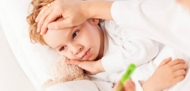 Čo robiť keď má dieťa horúčku?