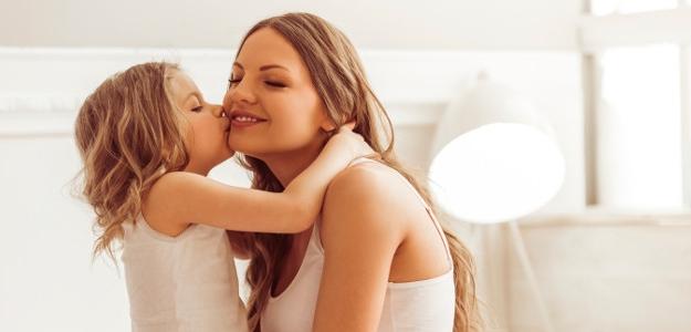 Žena doma: Od sladkostí sa zuby nekazia