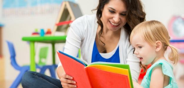 Knižnenie s pánom Mrkvičkom: naučte svoje deti čítať!