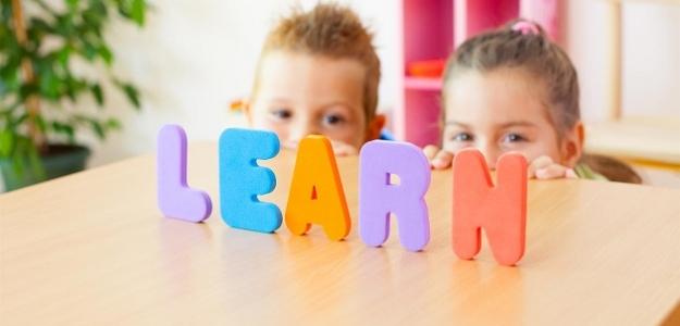 PRE a PROTI: cudzie jazyky už v škôlke?