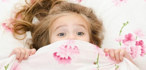 Panika z tmy: ako pomôcť dieťaťu zbaviť sa strachu?