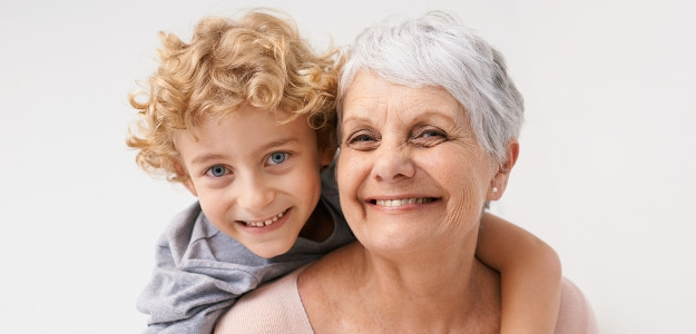 starí rodičia, babka, dedko, výchova, rodičia, vnúča