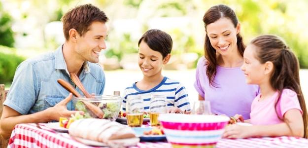 Keď sa dieťa pri jedle trápi...alebo dobrá nálada pri stole