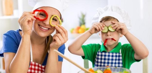 Varíme s deťmi alebo od akého veku môžu deti pomáhať v kuchyni?