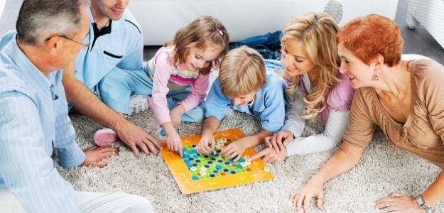 Večer plný hier – zábava pre celú rodinu