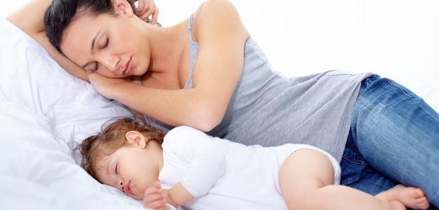 spánok, nespavosť, mama, dieťa, spánkom ku zdraviu, dobrá nálada