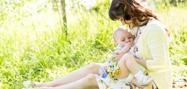 Vhodný pitný režim dojčiacej ženy alepozor na prehrešky!