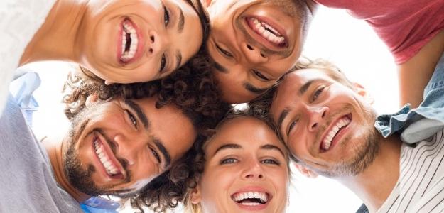Sme národ zamračených alebo usmievajúcich sa ľudí?