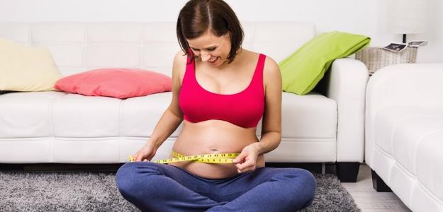 tehotna a hmotnost